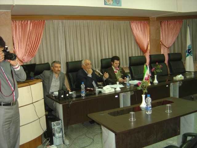 رئیس واحد خوراسگان(اصفهان):نقش شورای گسترش استانها در منطقی ساختن توسعه رشته های دانشگاهی متناسب با توانمندیهای بومی و نیاز جامعه، بسیار حائز اهمیت است