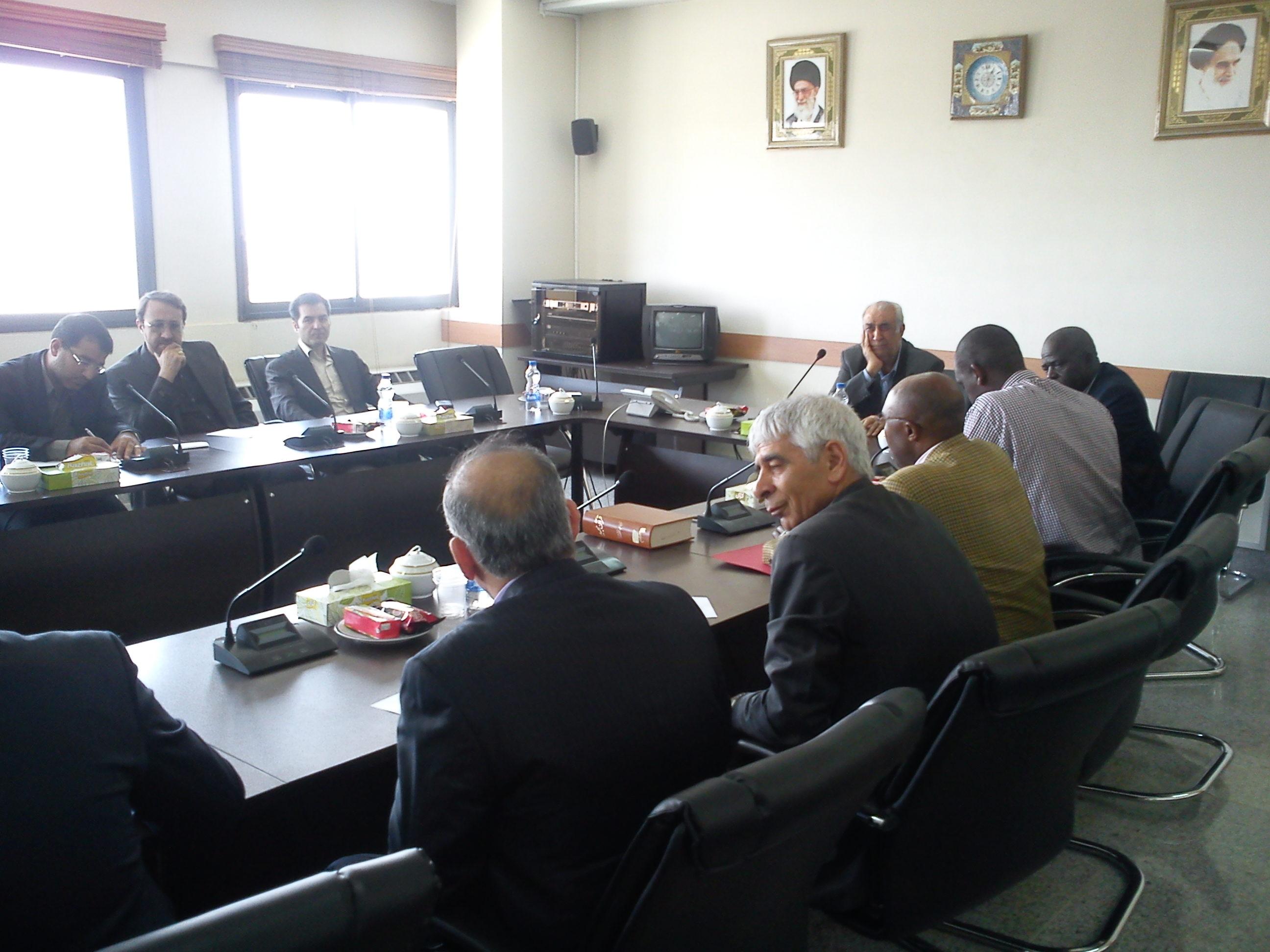 بازدید سفیر اوگاندا از دانشگاه آزاد اسلامی واحد خوراسگان