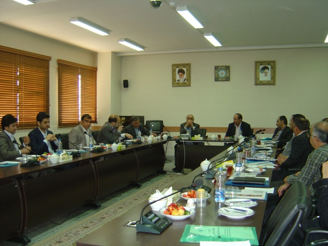 مدیرکل ارتباط با صنعت دانشگاه در بازدید از واحد خوراسگان(اصفهان):واحد خوراسگان جزو واحدهای سرآمد کشور است