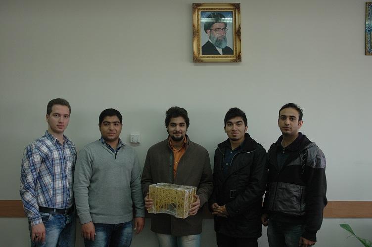 رکورد شکنی سازه ماکارونی واحد خوراسگان ( اصفهان )